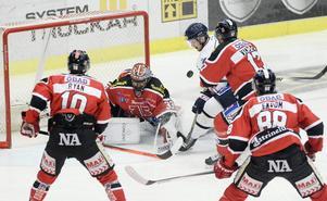 Även Mathias Karlsson, här i Linköping, kommer att bära Sundsvalls tröja nästa säsong.