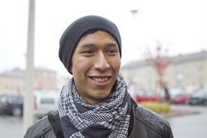 Jonas Melin, 20 år, Njutånger: – Nej, för har jag inte bältet på mig tjuter det i bilen väldigt länge. Det är viktigt med bälte, både för mig och för de andra i bilen.