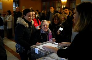 Högt valdeltagande i provinsvalet i Katalonien.Foto: Santi Palacios/AP