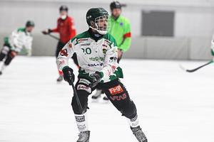 Frillesås spelande tränare Mattias Johansson.