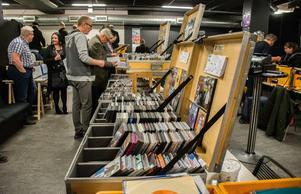 Besökarna kunde förutom vinylplattor även köpa cd-, och dvd-skivor.