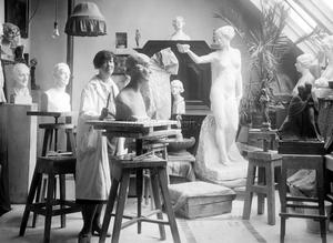Skulptrisen Alice Nordin var först med att ställa ut hos VKF.