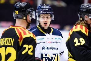 Sebastian Wännström under matchen 21 februari mot sin gamla guldkompis Jocke Rohdin. Arkivbild: Bildbyrån