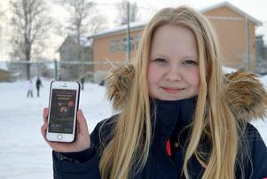 Alice Tägtström, i 5B på Tjärnaskolan, har alltid appen igång som mäter hur hon rör sig.