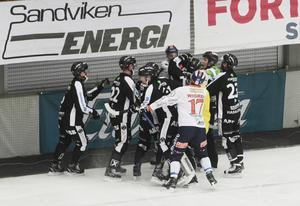 Det hettade till i slutet när Patrik Nilsson och Linus Petterson råkade i luven på varandra.