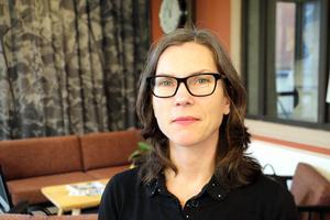- Våra röster behövs fortfarande för att knyta ihop länet med Östergötland, säger Anna Ahnér och undrar hur förslaget om att lämna Bergslagsdiagonalen kommit till.