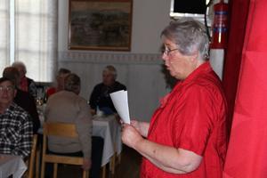 Ordföranden Anna-Maria Winblad hälsade välkommen till Järvsö PRO:s 60-årsjubileum i Lörstrand.