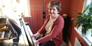 Anette Sahlqvist spelar och sjunger varje dag.