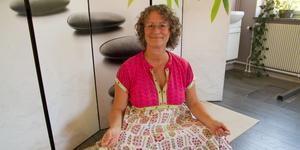 Anna-Lena Sederoswky är både yogalärare och massör, nu ska hon byta lokal och kunna ge fler chansen att komma.