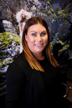 Victoria Fernqvist har jobbat som frisör sedan 2011.