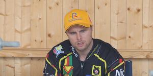 Tomas H Jonasson inledde matchen mot Smederna med en femetta, men hade det tyngre efter det.