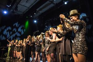 Guldhattarna kom väl till pass när ÖDFF firade priset som årets lag.