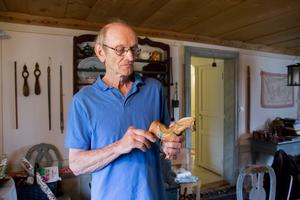 Sven-Erik Sjölund har sålt allt mellan himmel och jord under sina auktioner, men en dalahäst har han aldrig tidigare klubbat ut.