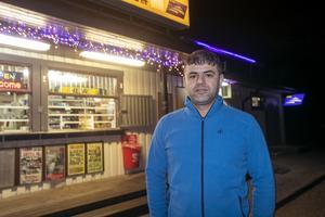 Kawa Murad är ägare av Staffans Närbutik i Skutskär och hjälpte den drabbade familjen.