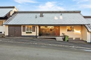 Det dyraste huset såldes för 3,5 miljoner kronor och ligger på Högalidsgatan 30 i Sundsvall. Foto: Mäklarhuset.