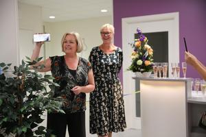 Tandvårdsnämndens ordförande, Kristina Svensson (S) och tandvårdschef Karin Gunnars-Hellgren invigde Folktandvårdens nya mottagning i Ludvika.