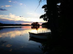 Solnedgång vid Måns Ols. Långforsen i Sala. Foto: Christina Signélius