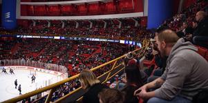 Gnälligheten gör sig gällande även på NHL-arenorna i USA och Kanada menar Per Bjurman.