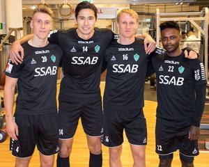 Bjarni Mark Antonsson, Jonathan Lundbäck, André Kamp och Kristian Andersen på Brages sista träning 2019. På semestern drar två ur duon norrut, medan de övriga två reser långt åt sydöst.