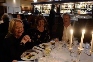 Lillian Hellmér, Irene Söderlind och Mats Hellmér hade tagit sig från Stockholm till Sundsvall för helgen.