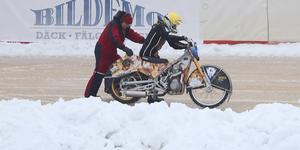 Jimmy Olsén fick motorproblem halvvägs in i tävlingen.