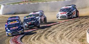 Oliver Eriksson och Guillaume de Ridder kämpar om slutsegern i rallycross-VM:s utvecklingsklass RX2. Foto: RX2