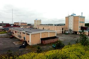 De cirka 100 anställda på Eka Chemicals, Alby berörs av ägarbytet.