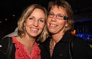 Blue Moon Bar. Pernilla och Karina