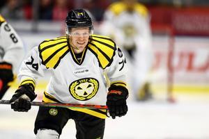 Nicklas Danielsson har hittills svarat för 30 poäng (7+23) på 41 matcher. Lika många som han gjorde på 50 matcher (15+15) i Brynäströjan förra säsongen. Arkivbild: Bildbyrån