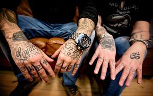 Både Jacob och Anne har flera tatueringar.