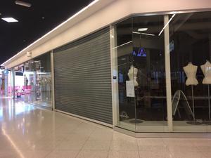 Nischad damklädesbutik har bommat igen.