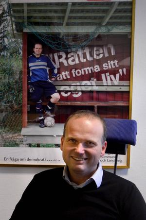 Förra kommunalrådet Lars Persson, Sundsvall, formar sitt eget liv och avgår från alla politiska uppdrag.