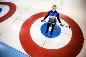 Sofia Mabergs från Malung valde bort hockeyn och är nu uttagen till OS i Sydkorea.