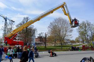 På lördag är det full fart i Eksjö. Bland annat är det Blåljusdagen där allmänheten har chans att ta en tur i skyliften.