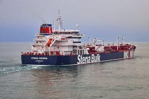 Svenskägda Stena Bulks fraktfartyg Stena Impero, som har brittisk flagg och är taget i beslag av Iran i Hormuzsundet. Foto: Stena Bulk via AP.