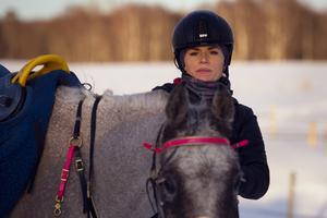 Annelie Eriksson vann distansen 120 kilometer med sin häst King of Pirates.