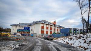 Så här ser det ut vid kommunens nya äldreboende Björkmossen som ska invigas i vår. Kommunen planerar för ytterligare ett nytt äldreboende, gärna med intilliggande mellanboende, som ska stå klart 2021.