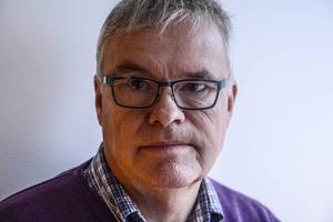 Regionrådet Christer Siwertssons parti Moderaterna regerar sedan några månader ihop med Socialdemokraterna.
