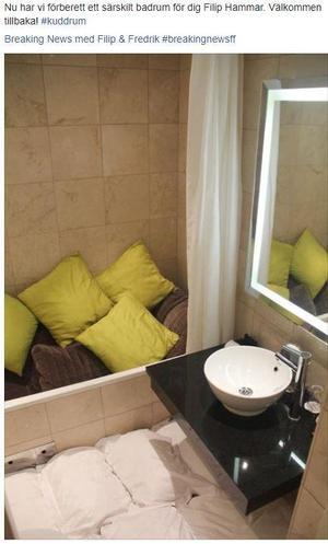 """""""Nu har vi förberett ett särskilt badrum för dig Filip Hammar. Välkommen tillbaka! #kuddrum"""" skriver hotellkedjan på sin Facebooksida."""