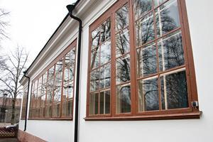 Orangeriets stora fönsterpartier har också renoverats de senaste åren.