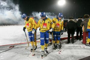 Andreas Westh har vunnit fem VM-guld, men har också förlorat flera finaler. Här, året är 2007, har Sverige förlorat med 2–3 i Kemorovo inför 30 000 åskådare. Foto: Fredrik Sandberg / SCANPIX