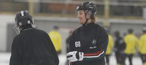 Filip Bergman är avstängd mot Tranås för vad han själv och ÖSK inte ens tycker borde ha varit utvisning.