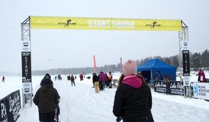 Runt 200 deltagare tog sig över mållinjen på Runnskrinnet på söndagen.