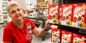 Panduro Hobby, där Eva Drott arbetar vid butiken i Kvarteret Igor, är en butik där kunderna faktiskt kräver att julen kommer tidigt – även exempelvis en handlare som vill sätta upp eget julpyssel i sin butik vill ju kunna köpa materialet i god tid. En rekordstor julhandel förutspås i Västerås city, men för en del handlare och köpmän är det en svår balansgång när man ska börja julpynta.