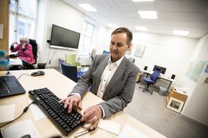 Johan Svedmark, barn- och utbildningschef, berättar om satsningar i  Falun som ska förbättra skolmiljön för barn med neuropsykiatriska funktionsnedsättningar.