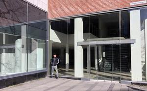 Stora butikslokaler står nu helt öde i Västerås centrum.