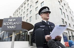 Mark Rowley på Scotland Yard höll en pressträff på torsdagen utanför högkvarteret i London.