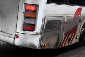 En man misstänkts ha hotat en väktare ombord en av Dalatrafiks bussar i Borlänge.
