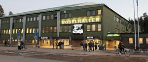Klassiska Nobelhallen inför en match mellan Karlskoga och AIK i mars. Nobelhallen byggdes 1972 och rymmer 5 400 åskådare. Foto: TT/Tommy Pedersen