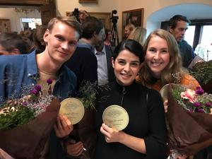 Malin Andersson tillsammans med programledarkollegorna Kristoffer Fransson och Aida Pourshahidi.